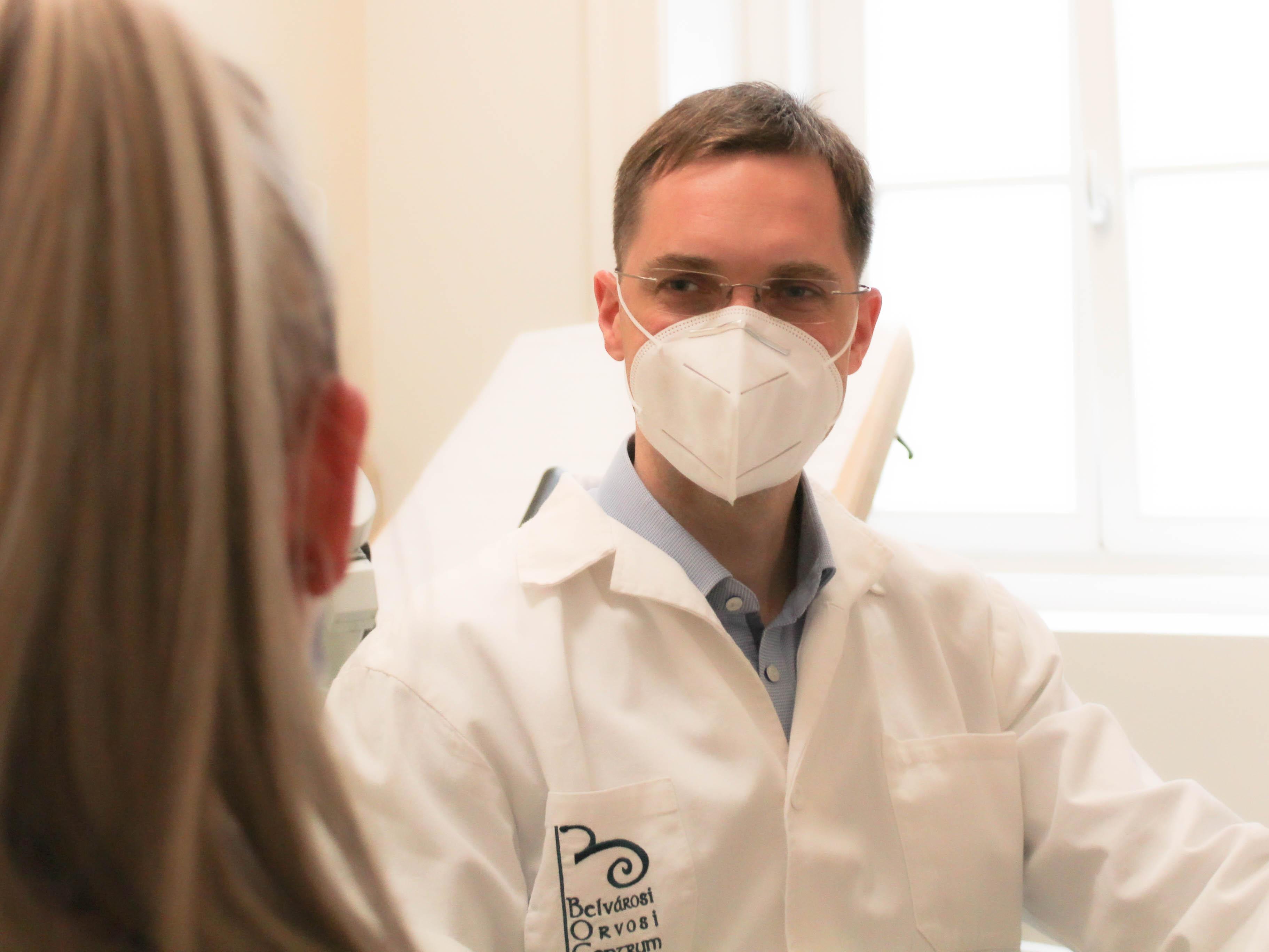 Dr. Máté Szabolcs konzultáció