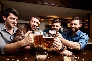 Sörre bor, vagy borra sör? Melyikkel kerülhető el a kínzó másnaposság?