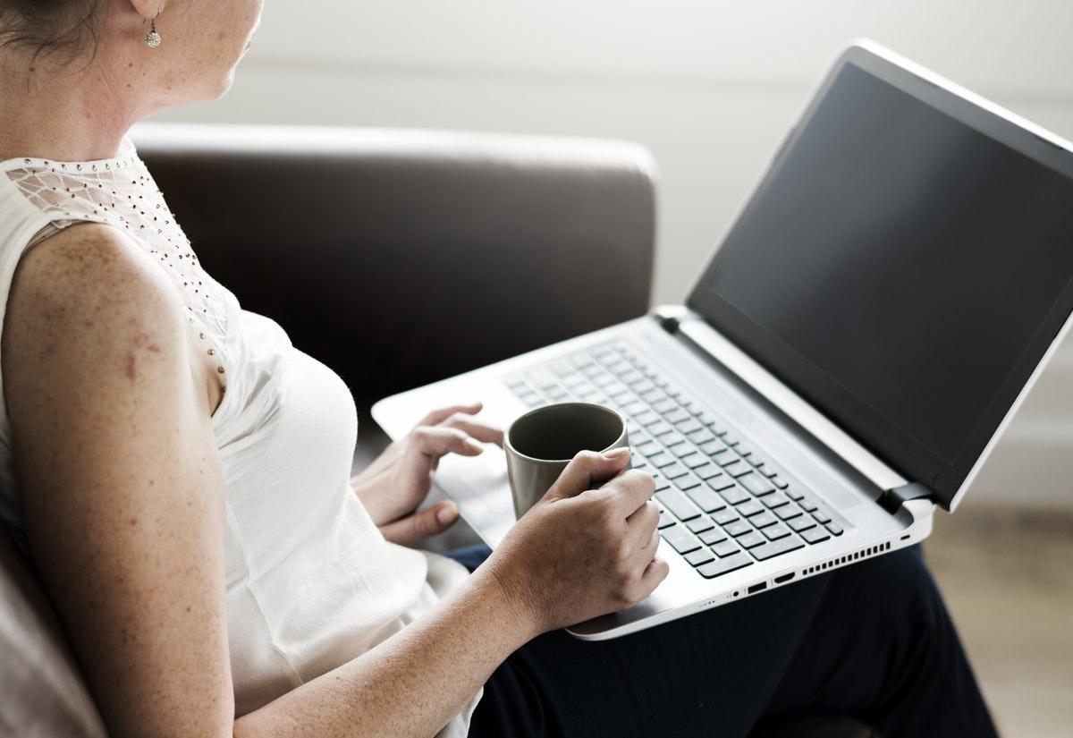 Komoly veszélyekkel járhat, ha az interneten keresgéljük a tüneteink okát