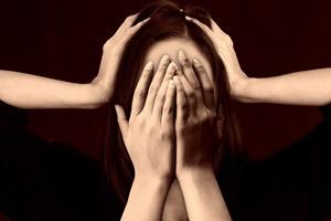 Milyen okai lehetnek a fejfájásnak?